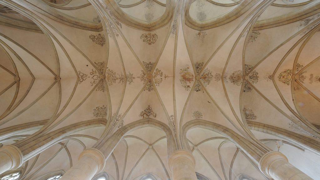 Malereien im Gewölbe